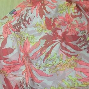 Vince Camuto Sheer Bright Floral Poncho Top EUC!